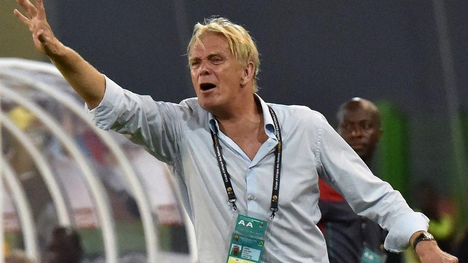 Nationalcoach Finke: Will in Kamerun bleiben