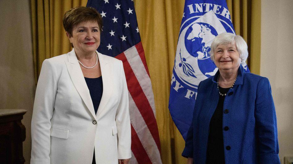 Die geschäftsführende Direktorin des Internationalen Währungsfonds (IWF) Kristalina Georgieva (l.) mit US-Finanzministerin Janet Yellen