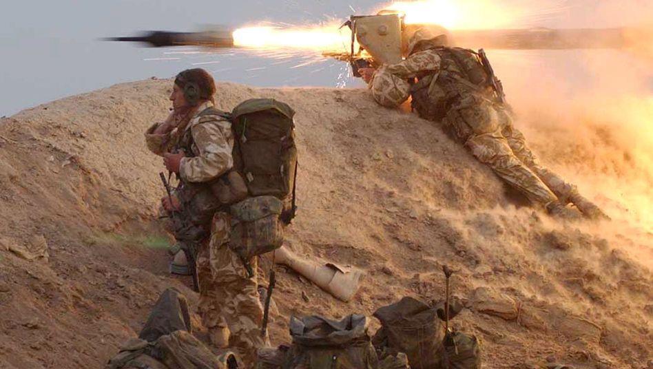 """Britische Soldaten mit """"Milan""""-Abwehrrakete im Irak (Archivbild): Letal und legitim?"""