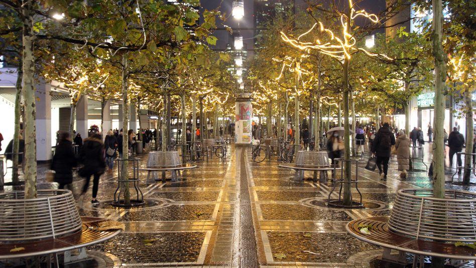 Weihnachtsdekoration in der Frankfurter Zeil 2020: Frust beim Einkauf?