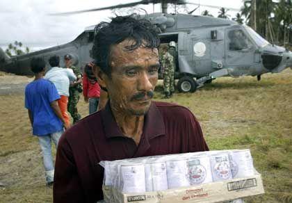 Hilfslieferungen (in Banda Aceh): Merkwürdig viele Spezialtruppen
