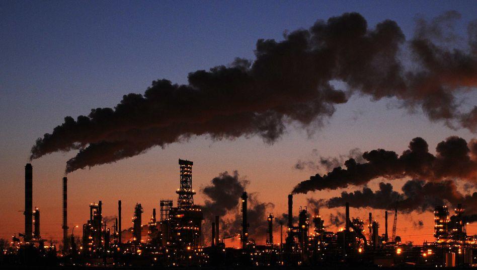 Raffinerie in Kanada: EU-Länder holen sich Teile der hohen Kosten durch Exporte zurück