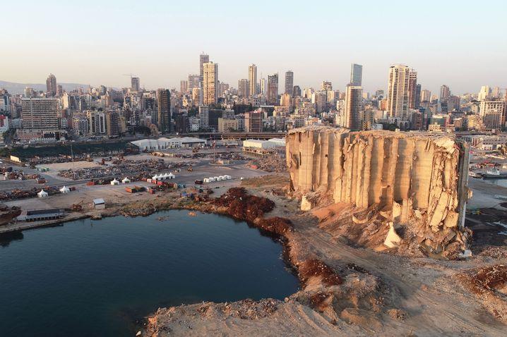 Zerstörte Hafenanlagen in Beirut
