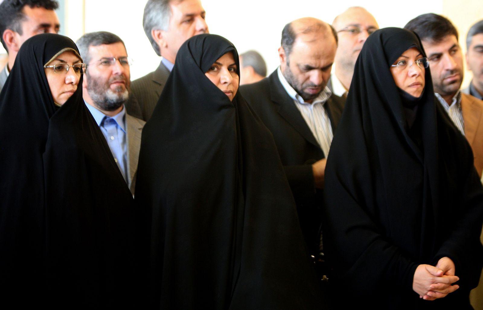 IRAN-POLITICS-WOMEN