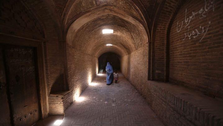 Afghanistan: Ein Land im Krieg, ein Land am Tropf
