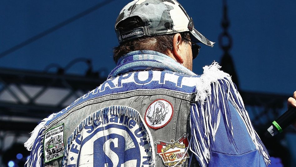 Schalke-Fan: Wie konnte es nur so weit kommen?