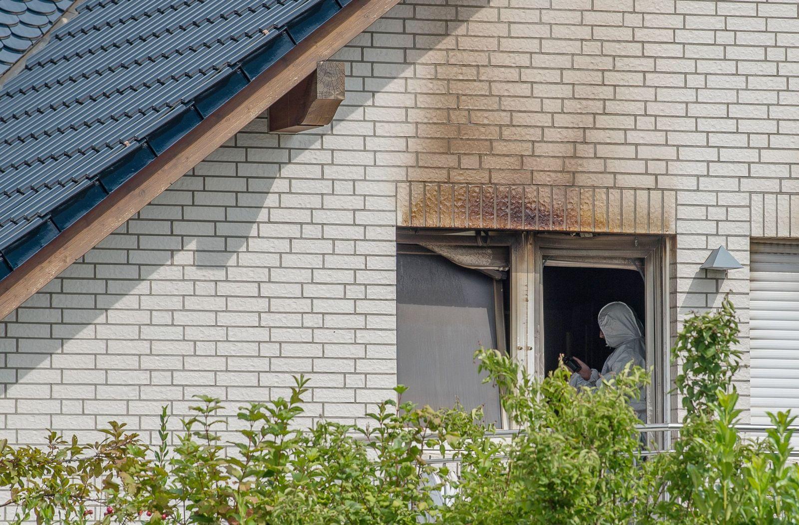 Zwei tote Kinder in brennendem Haus gefunden
