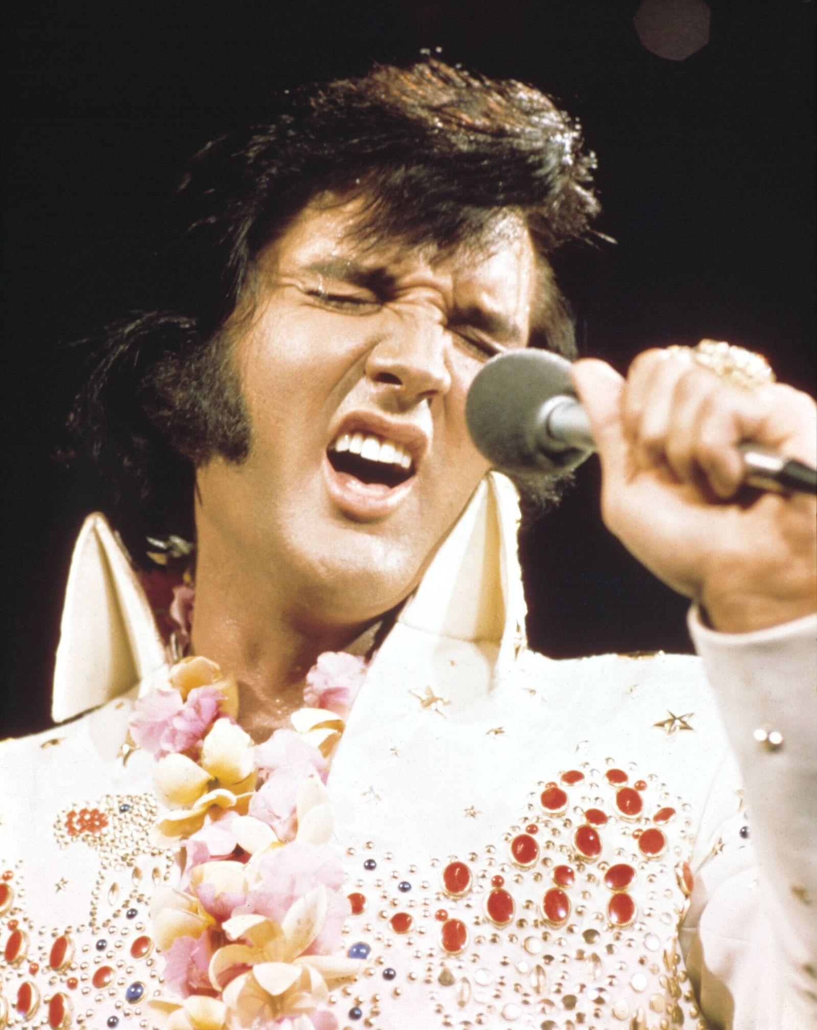 ELVIS-ALOHA FROM HAWAII, Elvis Presley, 1973 Courtesy Everett Collection !ACHTUNG AUFNAHMEDATUM GESCHÄTZT! PUBLICATIONxI