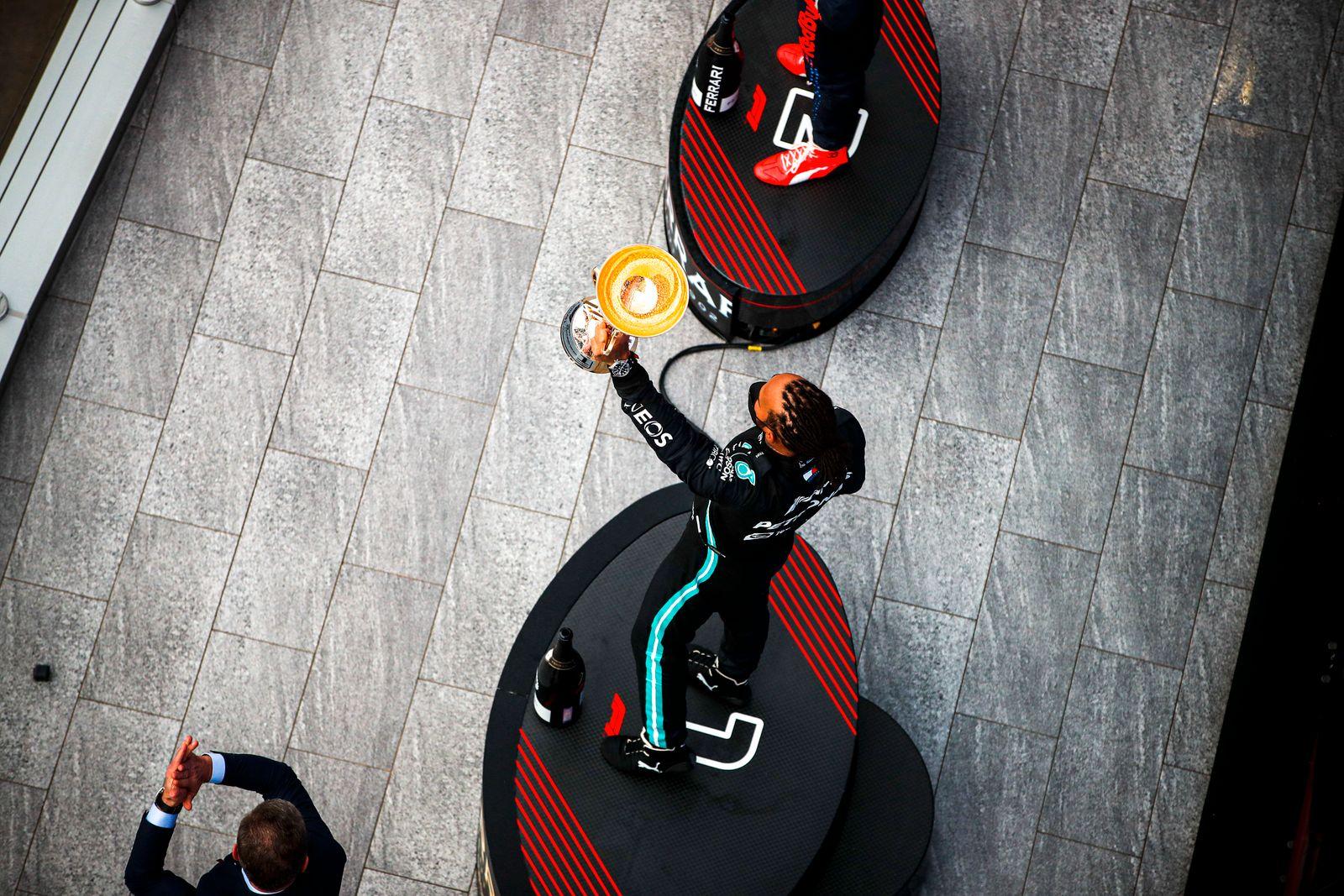 Formula 1 2021: Russian GP SOCHI AUTODROM, RUSSIAN FEDERATION - SEPTEMBER 26: Sir Lewis Hamilton, Mercedes, 1st positio