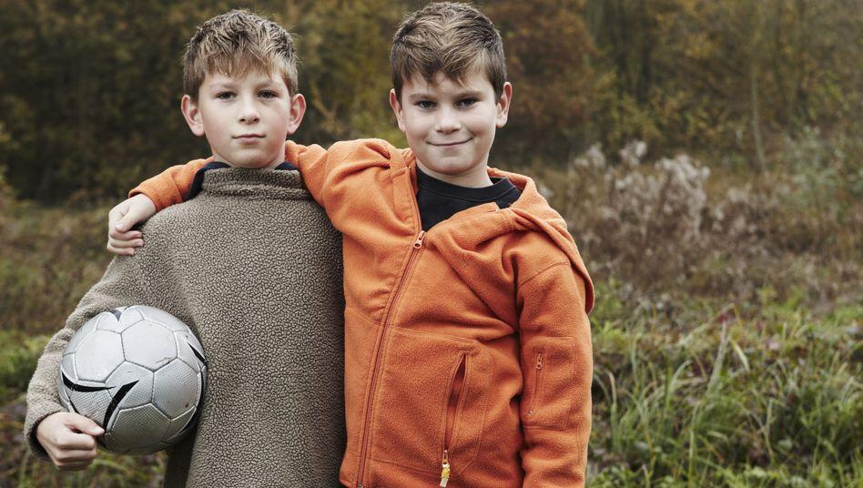 Dicke Kumpels: Die ersten tiefen Freundschaften werden meistens im späten Grundschulalter geknüpft