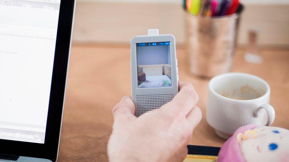 Video-Babyphone (Symbolbild): So haben Eltern den Nachwuchs immer im Blick - aber allzu leicht auch andere.