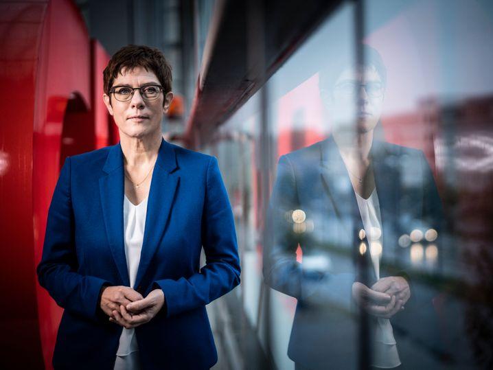 """CDU-Chefin: """"Establishment ist ja eigentlich ein Begriff aus der Sponti-Szene."""""""