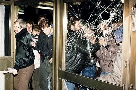 Vor über 10 Jahren wurden die Stasizentralen gestürmt - um die Garanten der DDR-Diktatur endgültig zu entmachten.