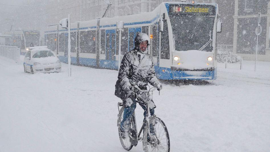 Schnee in Amsterdam (Dezember 2010): Radwege künftig beheizt?