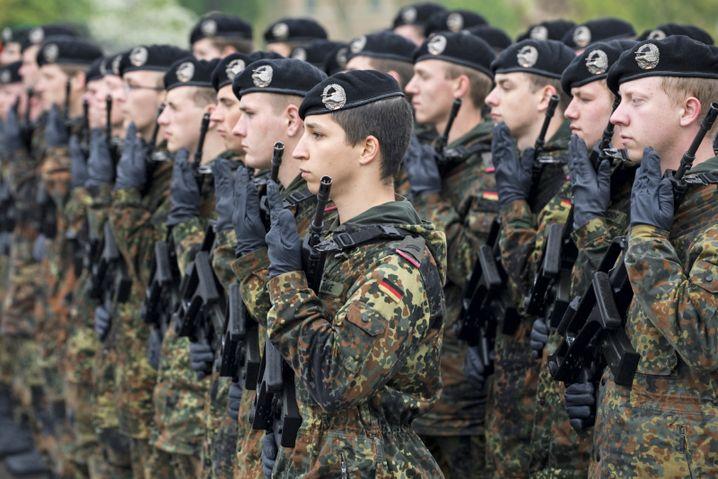 Ehrenformation der Bundeswehr in Leipzig