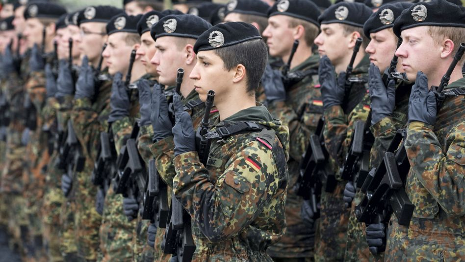Germany's defense minister wants to shrink the country's army from 252,000 to 165,000 soldiers.