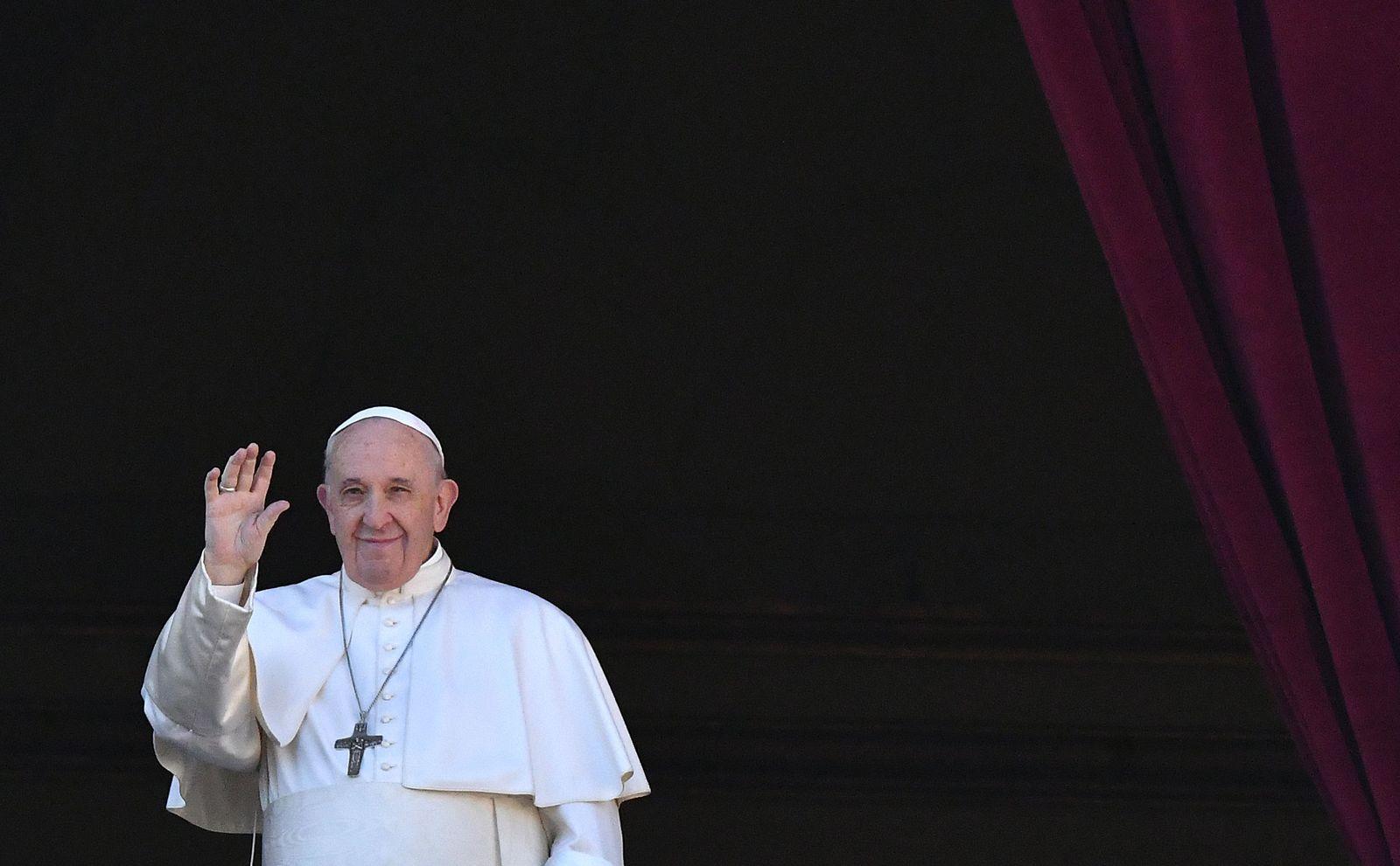 VATICAN-POPE-CHRISTMAS-URBI-ORBI