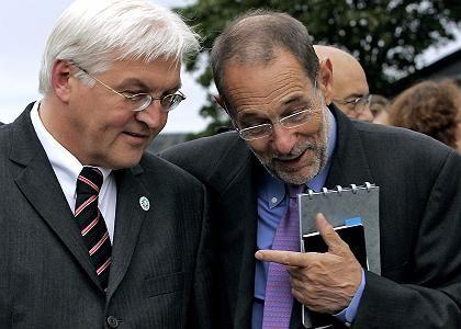 Außenminister Steinmeier (l.) mit EU-Chefdiplomat Solana: Neue EU-Hilfen für Libanon
