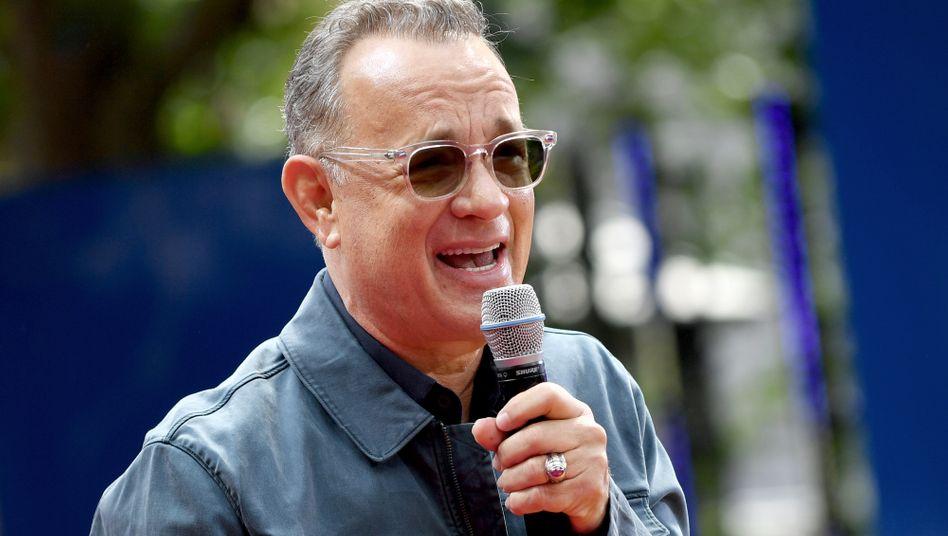 Tom Hanks (Archivbild) soll den künftigen US-Präsidenten Biden feiern