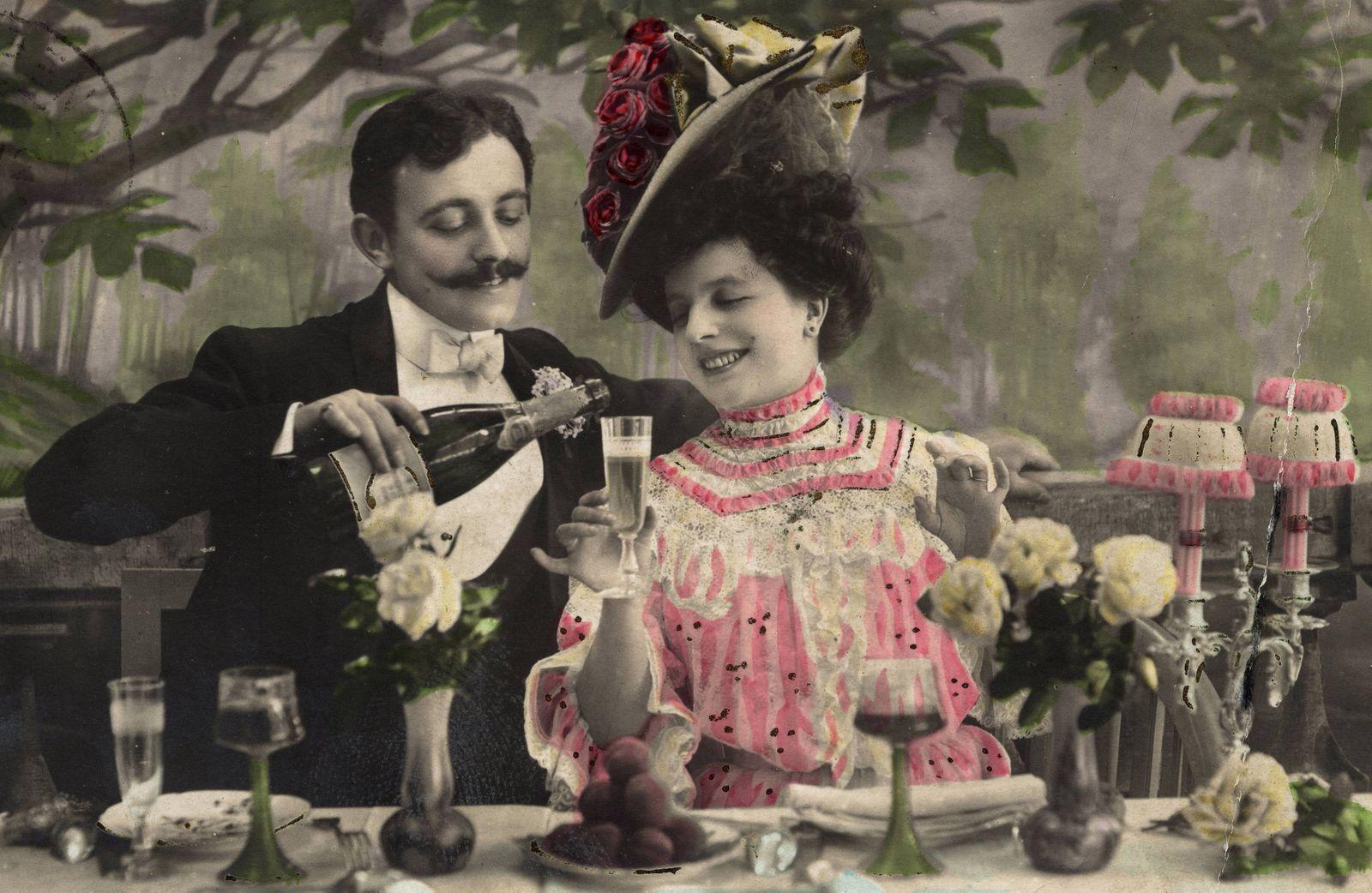 Couple of lovers french Postcard c 1910 Champagne AUFNAHMEDATUM GESCH?TZT PUBLICATIONxINxG