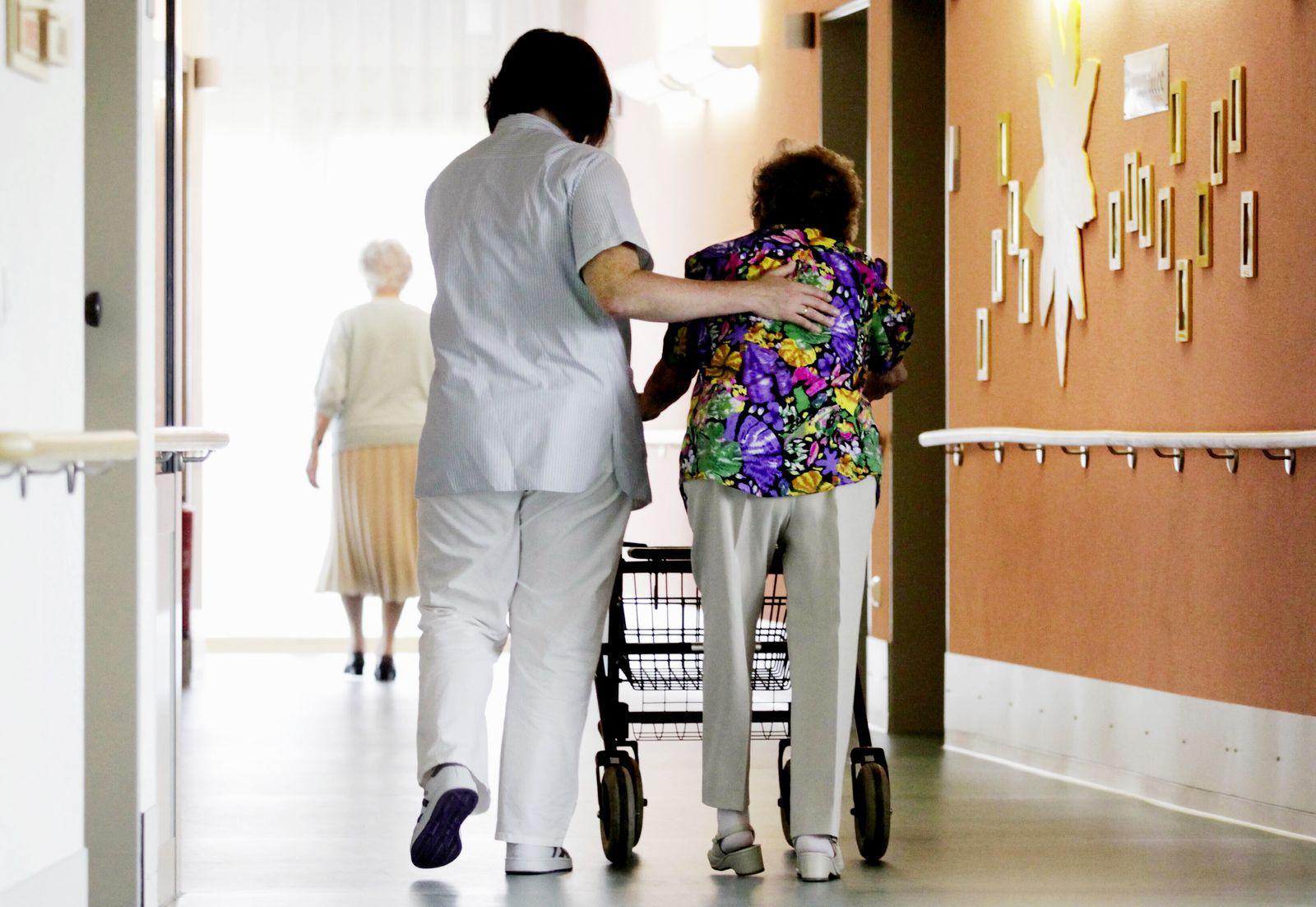 NICHT VERWENDEN THEMEN Altenbetreuung