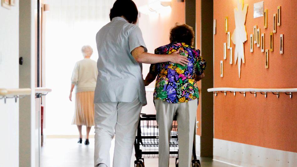 Altenpflege: Minijobs sind im Sozialwesen weit verbreitet