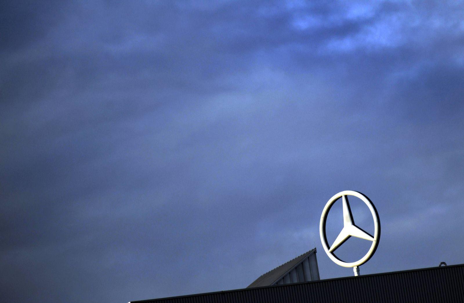 NICHT VERWENDEN Daimler verschaerft sein Sparprogramm