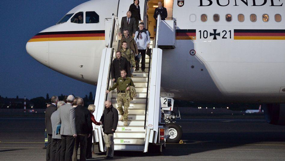 Heimgekehrte Geiseln: Gauweiler kritisiert freigelassene Bundeswehrsoldaten