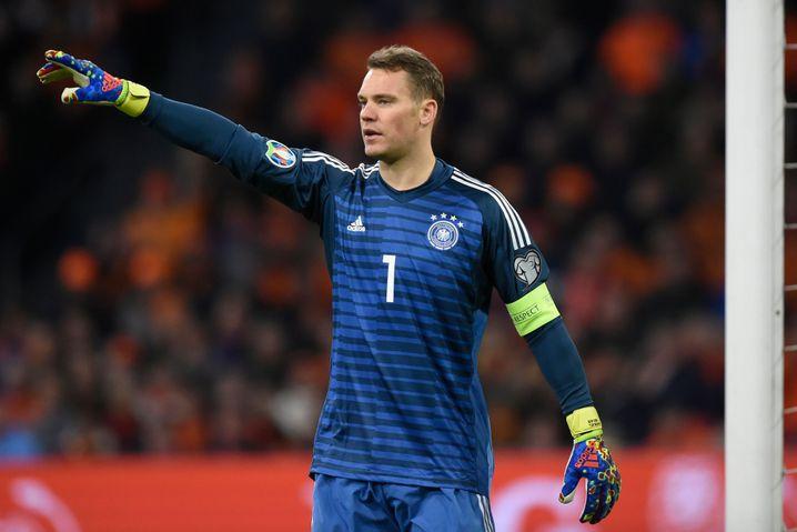 DFB-Torhüter Manuel Neuer beim Gruppenspiel gegen die Niederlande