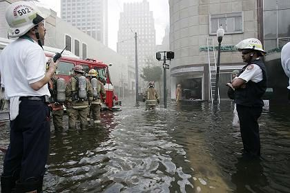 Instead of bringing Germany and America together, the catastrophe in New Orleans has revealed die-hard resentments between the two countries.