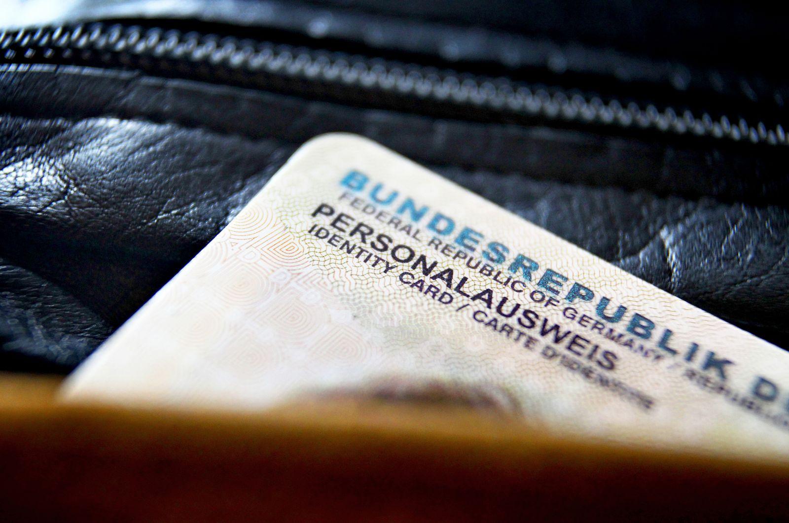 EINMALIGE VERWENDUNG Personalausweis