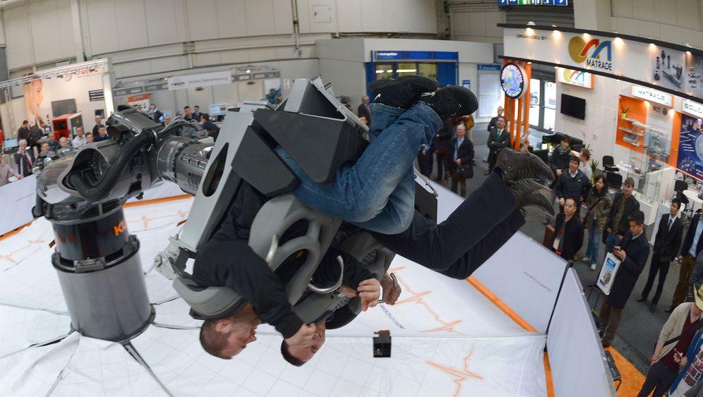 Hannover Messe: Gute Drohnen, verspielte Roboter und ein sensibler Zaun