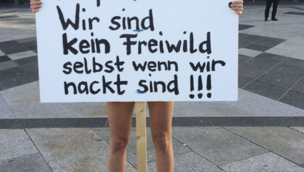 Photo Gallery: Islam Clashes with Women's Rights in Germany