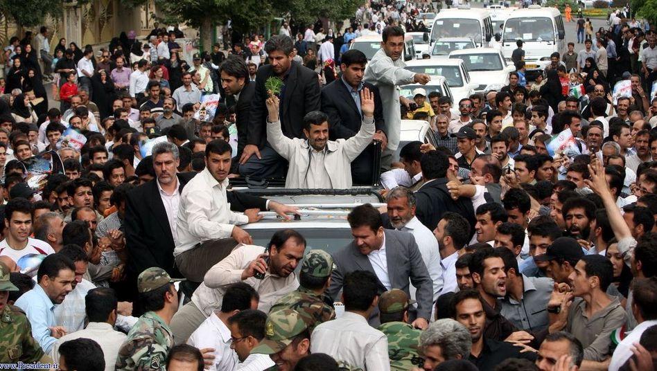 Iran: Ahmadinedschad überlebt Anschlag