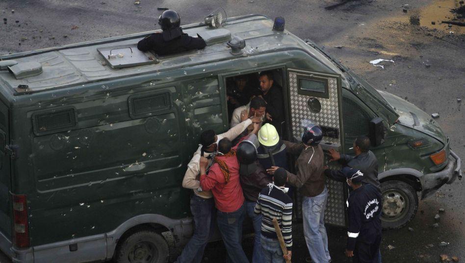 Massenprotestegegen Mubarak: Ägyptens Behörden kappen Internet-Zugang