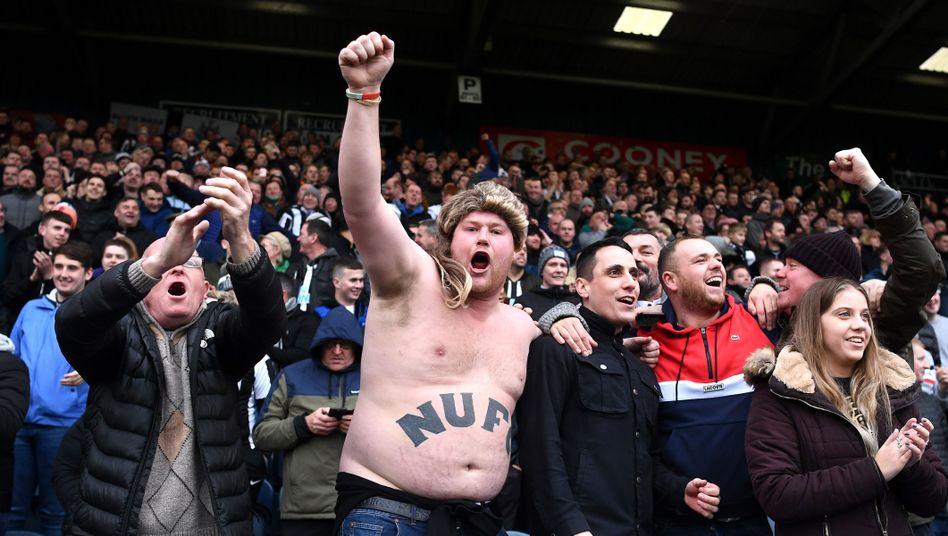 Fans von Newcastle United beim FA-Cup-Spiel gegen Rochdale Anfang Januar