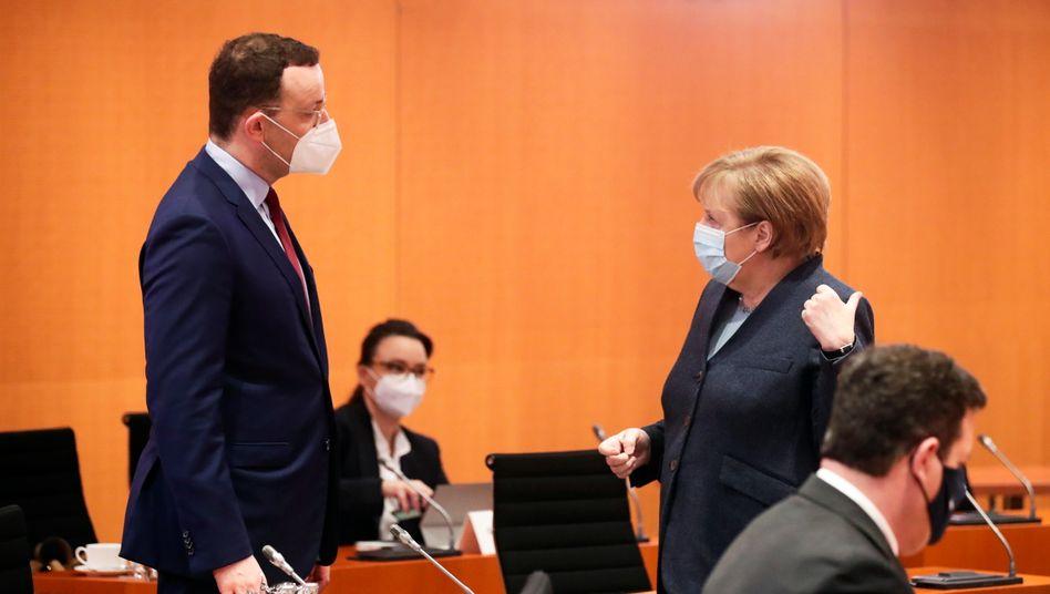 Jens Spahn, Angela Merkel: Sogar der Gesundheitsminister hielt einen zweiten Lockdown im September noch für unwahrscheinlich