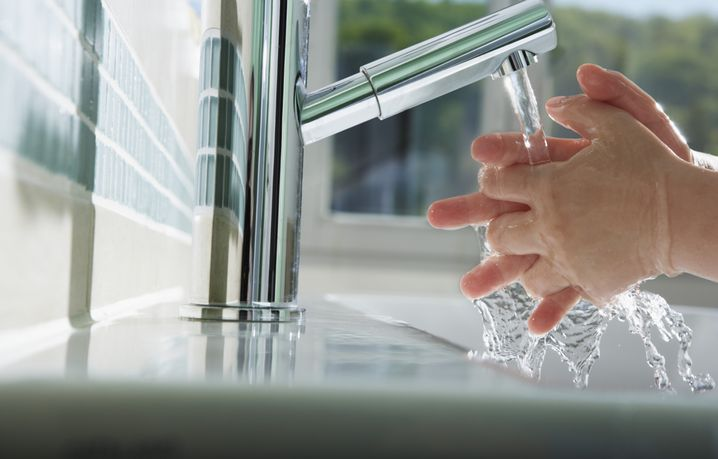Regelmäßiges Händewaschen: Einfache Maßnahme gegen Befall