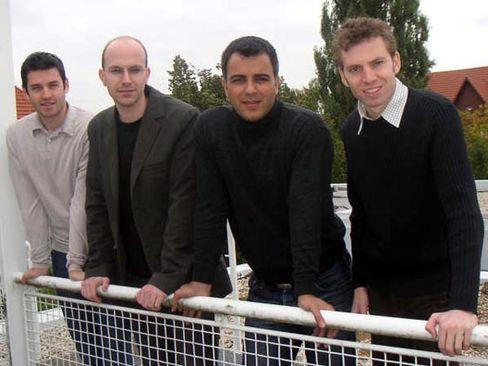 Die Gründer der Seite Straight2theCandidates: Alexander Puschkin, Jörg Schiller, Caveh Valipour Zonooz, Till Pape (von links)
