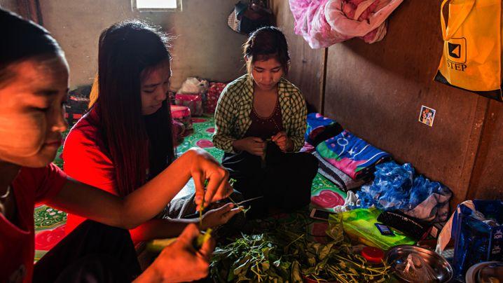 Studie zu Kleiderfabriken: Der Alltag der Textilarbeiterinnen von Burma