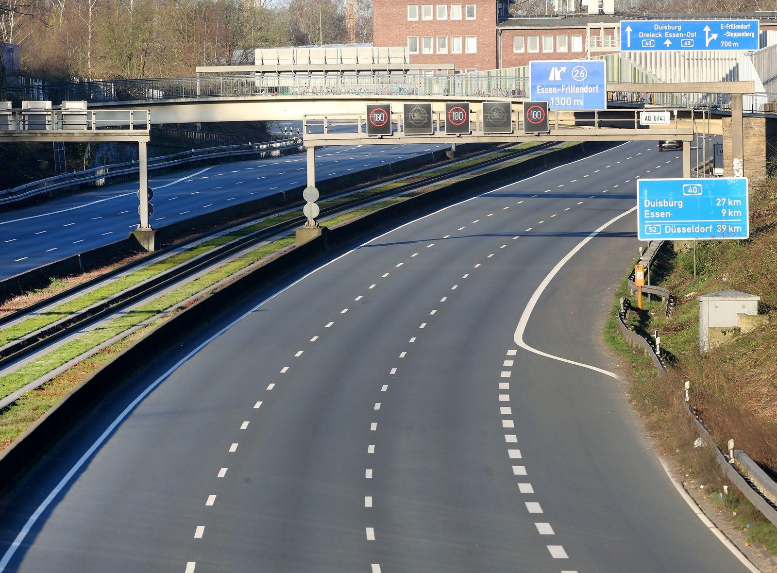 Coronavirus - Essen - Leere Autobahn