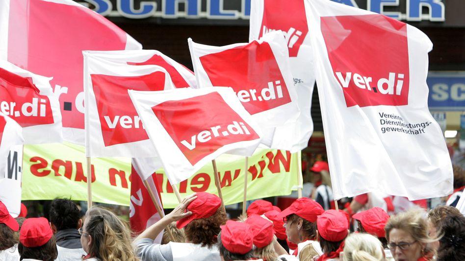 Ver.di-Proteste (im Februar): Tarifstreit mit Schlecker beigelegt
