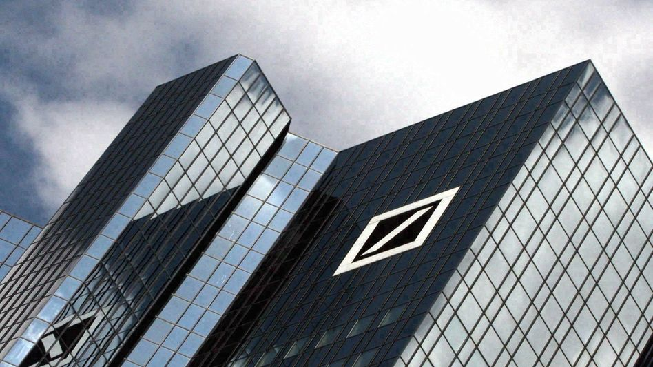 Some say Deutsche Bank misled investors in a fund which hoped to profit from deaths in the US.
