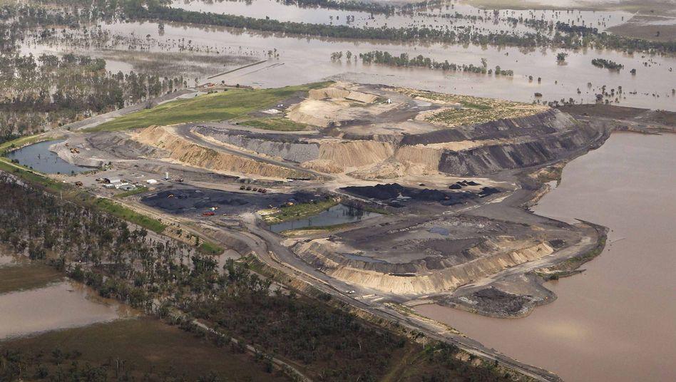Überschwemmte Kohleminie in Australien: Trockenlegung wird vorbereitet