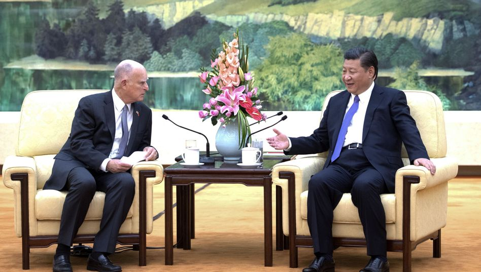 Politiker Brown und Xi