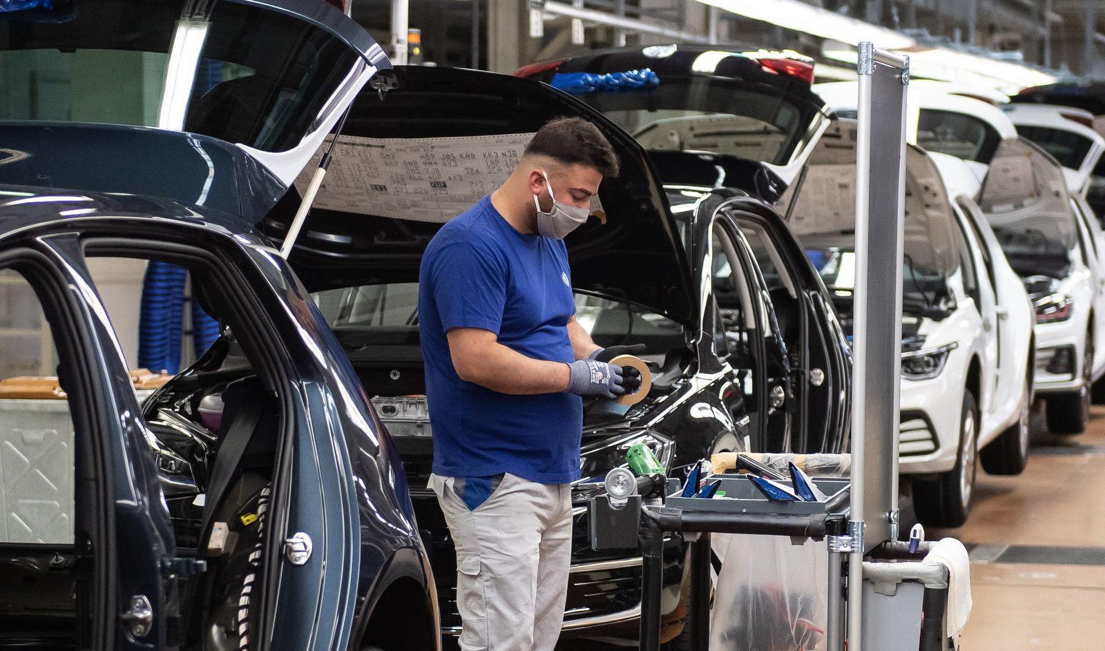 Coronavirus - Produktion im VW-Werk Wolfsburg