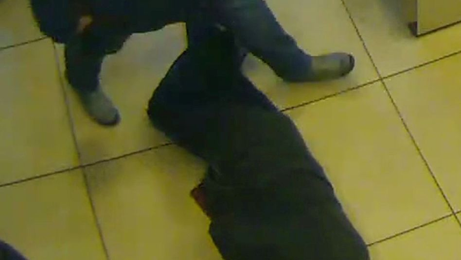Aufnahme der Überwachungskamera aus der Bank in Essen