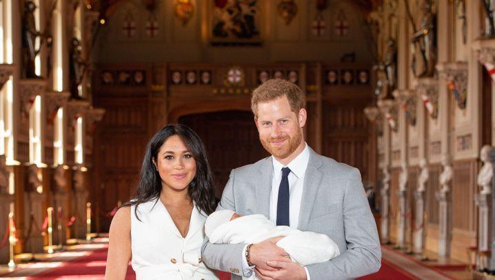 Erster Fototermin: Baby Sussex stellt sich vor