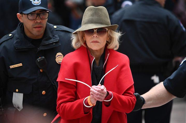 Viermal wurde Fonda bereits bei ihren Klimaprotesten festgenommen