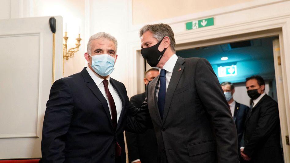 Israels neuer Außenminister Jair Lapid (l.) mit seinem US-Amtskollegen Antony Blinken